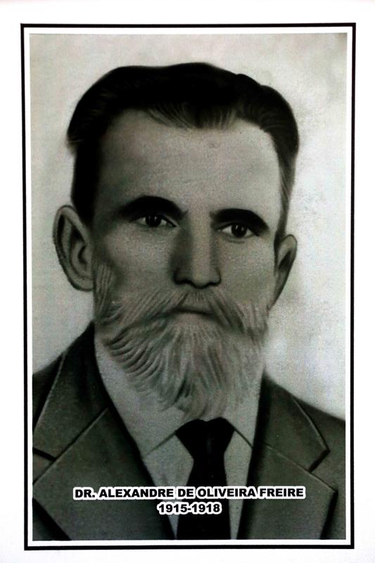 Dr. Alexandre de Oliveira Freire