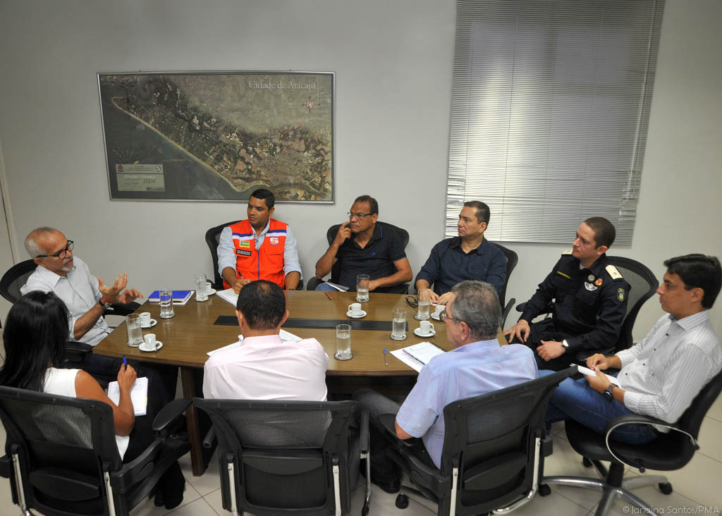 Edvaldo cria Núcleo Integrado da Defesa Civil com participação de várias secretarias